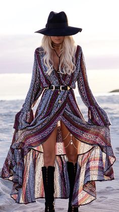 Long boho dress Coachella style Coachella dress Long slit dress Gypsy dress Festival look Coachella fashion Tap the link now to see our super collection of accessories ma. Look Hippie Chic, Estilo Hippie Chic, Gypsy Style, Boho Gypsy, Bohemian Hair, Bohemian Print, Bohemian Outfit, Boho Chic Style, Bohemian Beach