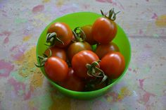 Some of our own cherry tomatoes, we harvested in our terrace... some days after this pic was taken, nature gave us a prize for being able to stand life: wild tomatoes! even more delitious than mine, something I thought it was imposible!