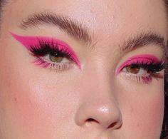 eye makeup for brown eyes . eye makeup for blue eyes . eye makeup tips . eye makeup tutorial for beginners Eye Makeup Glitter, Bright Eye Makeup, Makeup Eye Looks, Dark Eye Makeup, Dramatic Eye Makeup, Colorful Eye Makeup, Pink Makeup, Pink Eyeliner, Dramatic Eyes
