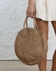 Knitting bag sewing pattern design New ideas Bag Patterns To Sew, Sewing Patterns, Diy Crochet, Crochet Bags, Hand Knit Bag, Sacs Design, Bag Women, Womens Designer Bags, Crochet Handbags
