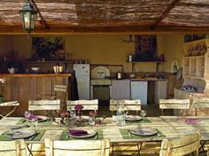 Cuisine extérieure / Outdoor kitchen : http://www.maison-deco.com/cuisine/deco-cuisine/Saveurs-d-ete-cuisines-d-exterieur