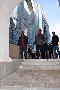 Shah-i-Zind is a pilgrim site for Uzbek people. It is said that 7 visits to the necropolis in Samarkand corresponds to the hajj (pilgrimage to mecca). Pilgrimage To Mecca, Louvre, People, Travel, Trips, Viajes, Traveling, People Illustration, Louvre Doors