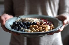 Frühstücksbowl Joghurt Früchte