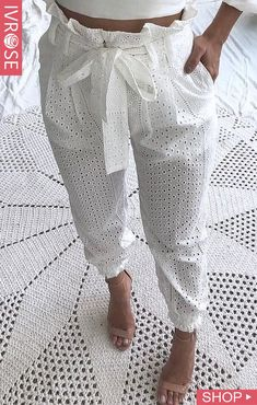 Paperbag Waist Eyelet Embroidery Casual Pants Source by de moda Casual Pants, Casual Outfits, Cute Outfits, Casual Attire, Fashion Pants, Fashion Dresses, Fashion Top, Moda Fashion, African Dress