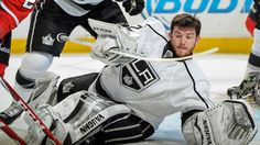 #Kings Jonathan Quick loses his helmet during Game 2 [May 21, 2014]