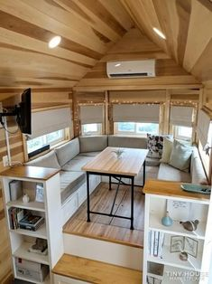 The Clover - Most Popular Tiny House on Wheels can find Tiny house interiors and more on our website.The Clover - Most Popular Tiny House on Wheels 3 Best Tiny House, Tiny House Cabin, Tiny House Plans, Tiny House On Wheels, Tiny House Trailer, Homes On Wheels, Tiny House 3 Bedroom, Tiny House Exterior Wheels, Tiny House Storage
