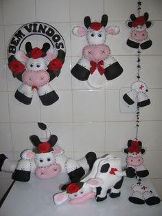 Kit Enfeites de Vaca - 95 Cows Mooing, Lulu Love, Farm Fun, Farm Crafts, Cow Pattern, Cow Art, Felt Decorations, Felt Patterns, Felt Toys