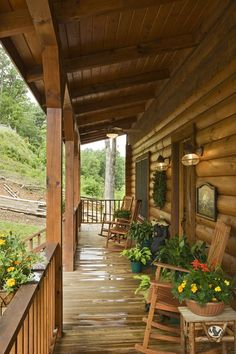 Cabin Decks, Cabin Porches, Home Porch, House With Porch, Rustic Porches, Country Porches, Log Cabin Living, Log Cabin Homes, Log Cabin Exterior