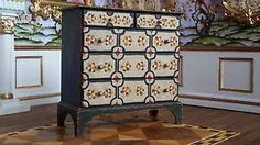 George Pennell, Miniatures by George, IGMA artisan - chest of drawers; Paul Saltarelli, IGMA artisan - faux marquetry/pianting on chest