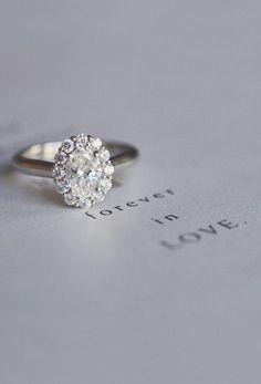 http://rubies.work/0785-emerald-earrings/ So cute for a wedding invitation shot