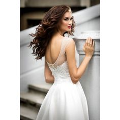 Mensa - dlhé svadobné šaty na ramienka so sieťovinou zdobené korálikmi s čipkou a dlhou saténovou sukňou s vlečkou