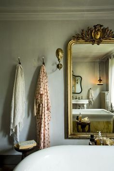 If you have a small bathroom in your home, don't be confuse to change to make it look larger. Not only small bathroom, but also the largest bathrooms have their problems and design flaws. Zen Bathroom, Modern Bathroom, Small Bathroom, White Bathroom, Glass Bathroom, Bathroom Cabinets, Silver Bathroom, Bathroom Doors, Bathroom Hardware