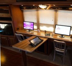 """slit"" opening for desk extension. Mobile Living, Rv Living, Home And Living, Camper Life, Rv Life, Campers, Rv Travel Trailers, Travel Trailer Remodel, Airstream Land Yacht"