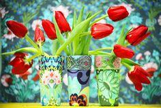 A artista plástica Denise Meneghello ensina passo a passo para fazer lindos vasos usando copos