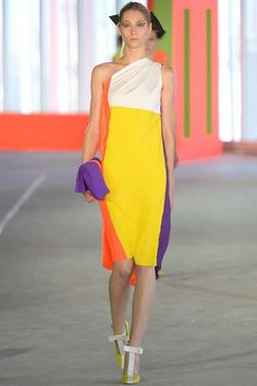Roksanda Ilincic Spring 2014 Ready-to-Wear Collection Slideshow on Style.com