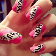 Hot pink & zebra print nails! ❤