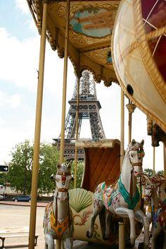 Carrousel de la Tour Eiffel (Paris Through My Lens)