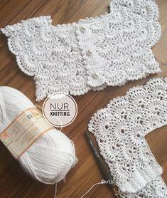 Vestido de Niña con Canesu a Crochet