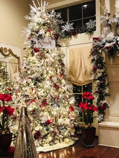 Christmas tree ideas Christmas Tree Inspiration, Christmas Decorations, Holiday Decor, Rustic Christmas, Xmas, Joy, Dreams, Home Decor, Decoration Home