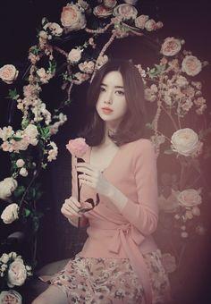 Milk Cocoa model : Yun Seon Young 윤선영 by ɢʀʏɴᴘʏʀᴇᴛ | We Heart It