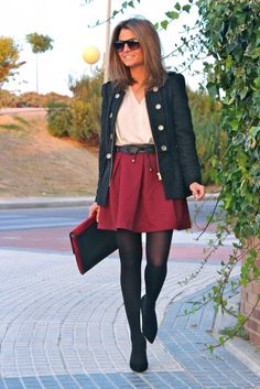 Fashion and Style Blog / Blog de Moda . Post: Burgundy / Burdeos .More pictures on/ Más fotos en : http://www.ohmylooks.com/?p=20003 .Llevo/I wear: Skirt : Oh My Looks Shop (info@ohmylooks.com) ; Shoes : Pilar Burgos (New Collection) ; Belt : Zara (old) ; Blouse : Zara (old) ; Jacket : Zara (old) ; Bag : Zara (old) ; Sunglasses : Mango