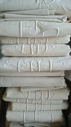New Ideas Embroidery Love Vintage Linen Decoration Shabby, French Fabric, Embroidery Monogram, White Embroidery, Chenille, Linens And Lace, Fine Linens, Shades Of White, Antique Lace