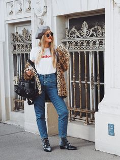 some thoughts about kindness, happiness & the pressure of being online Mom Jeans, Happiness, Thoughts, Happy, Bonheur, Being Happy, Ideas, Tanks