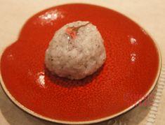 桜のおはぎ | ごはん400g 小豆粒あん(※1)200g しそふりかけ5g(小さじ4) 桜の花の塩漬10個