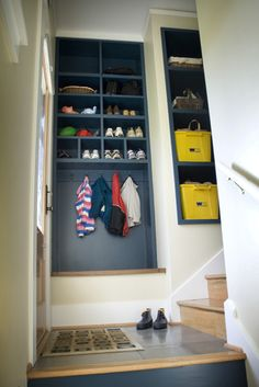 Mudroom/ Entry traditional entry