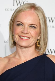 19 of the Best Short Blonde Hairstyles: Mariella Frostrup's Long, Blonde Bob