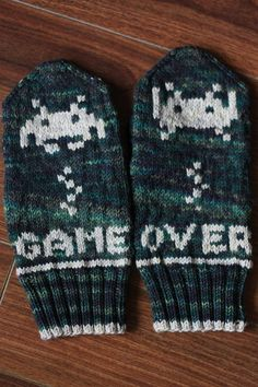 TFA Tuesday - Mayapof's mitts — Tanis Fiber Arts