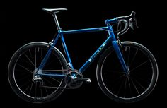 VANDEYKs handgemaakte carbon fiets: Machine For Riding   Café de la Poste