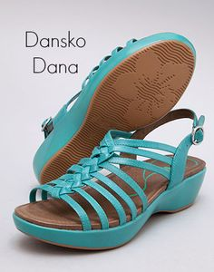 Dansko Dana turquoise sandals for spring and summer #cute #comfy #shoes
