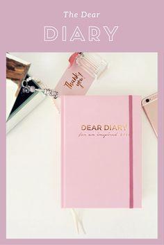 Ciao ragazze! Oggi vi voglio mostrare un'idea carinissima, girly e originale da usare non solo per noi stesse ma anche da acquistare come regalo di natale per le nostre amiche, the dear diary! The Dear Diary: The Dear Diary è…
