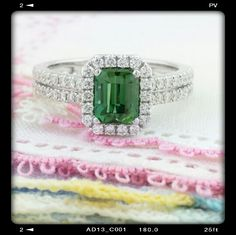 Natural, no heat Green Zoisite (that's Tanzanite) in 18K White Gold with Diamonds. www.zomacolor.com