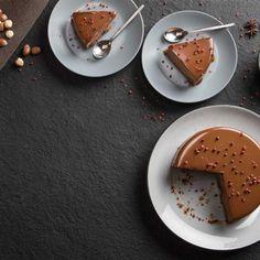 Σοκολατίνα με τζίντζερ και μπαχαρικά / Chocolate cake with ginger and spices. Εύκολη και γρήγορη συνταγή για τους λάτρεις της σοκολάτας! #millsofcrete #lactosefree #chocolatecake #cakerecipes #sokolata #sokolatina #sokolatopita #σοκολατα #σοκολατινα #σοκολατοπιτα #χωριςλακτοζη #γλυκα #συνταγες #κεικ Vegan Recipes, Oven, Fresh, Breakfast, Food, Breakfast Cafe, Meal, Hoods, Vegan Dinner Recipes