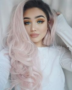 Warm makeup looks for the girl who loves autumn makeup hair Bad Hair Day, Pretty Hairstyles, Girl Hairstyles, Lush Wigs, Maquillage Halloween, Grunge Hair, Pink Hair, Ombre Hair, Dyed Hair