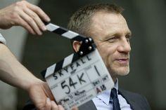 Skyfall UK Premiere tonight! Watch on thefancarpet.com as we talk to Daniel Craig, Judi Dench, Naomie Harris and Javier Bardem.