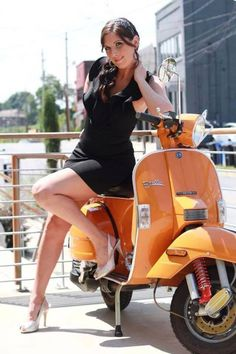 Vespa Girl - Vespa - Pin Up Style - # Girl # Pin # Style # Vespa - Motorrad Bild - Vespa Scooters, Vespa Bike, Motos Vespa, Piaggio Vespa, Lambretta Scooter, Scooter Motorcycle, Motor Scooters, Vintage Vespa, Scooter Girl