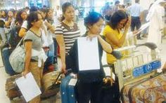 The 26 abused OFWs back to the Philippines from Kuwait  By Lex Mendez On September 7, 2012 (http://www.pinoyrepublic.net/the-26-abused-ofws-back-to-the-philippines-from-kuwait/)