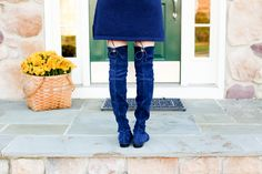 Stuart Weitzman Lowland Boots in Navy – Kelly in the City