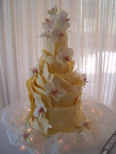 white chocolate wrap cake