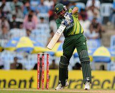 Younis Khan (Pak) 58 on 60 balls, plays off the back foot, vs India, 1st ODI, Chennai, December 30, 2012