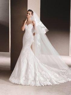 Decote coração e corte sereia para o seu vestido de noiva