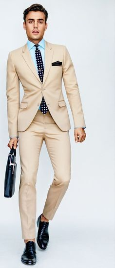 This amazing tan suit color is stlll not going off my mind ⋆ Men\'s Fashion Blog - #TheUnstitchd