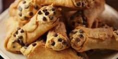 The easiest homemade cannoli!
