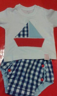 Bom dia ... Com cheirinho a verão, praia, mar e muita fofurice ⛵ T'shirt com aplicação de peixinho e tapa fraldas