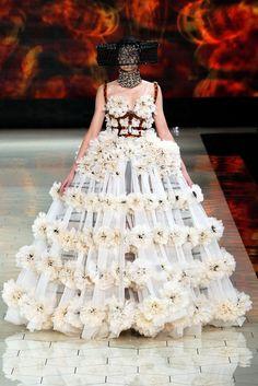 Alexander McQueen Spring 2013 Ready-to-Wear Fashion Show - Sigrid Agren (Elite)