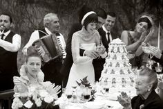 WEDDING DRESS TOOT TOOT