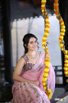 Actress Raashi Khanna pics (9)